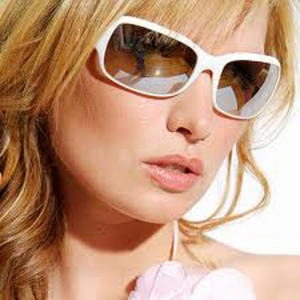 12 Piece Fashion Assorted Sunglasses w/ Different Color And Style