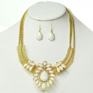White Floral Accent Necklace on Gold Frame