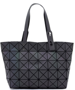 Matte Geometric Checkered Shopper A81063 LUMINOUS