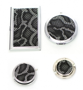 Gift Set Box Snake Print Magnifying Mirror & Handbag Holder ,Pill Case, Credit Card Holder Case 4 Piece Set GFT84-0400JTCL Black