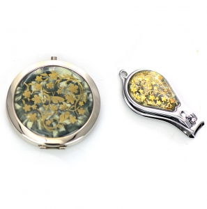 Cosmetic Compact Flower Mirror Magnifying & Nail Clipper 2 Piec Set GFT84-0420AT Green
