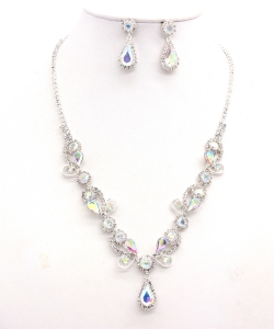 Rhinestone Necklace with Earrings NB300618 SVAB